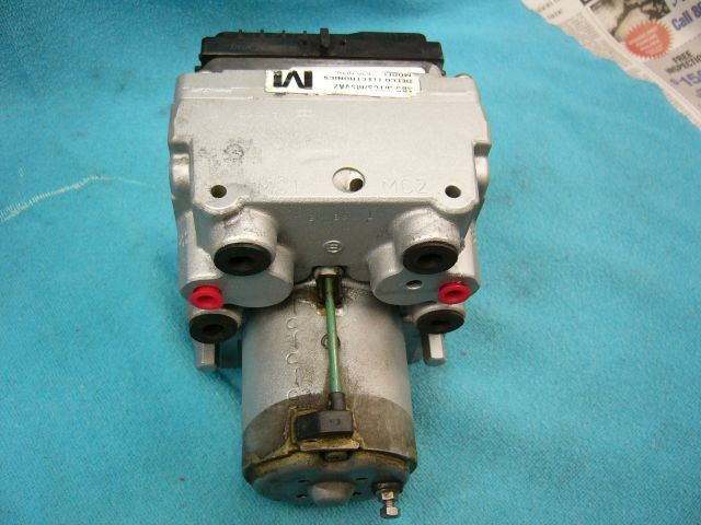Corvette ABS Hydraulic Assembly 1998 Bosch